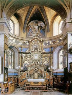 A görög katolikusok fő zarádokhelye Máriapócs temploma, oltárán a csodatevő Szűzanyával