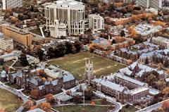 Torontói Egyetem. Magyar tanszékét a kanadai magyarok támogatásával létesítették